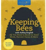 Portada de KEEPING BEES WITH ASHLEY ENGLISH: ALL YOU NEED TO KNOW TO TEND HIVES, HARVEST HONEY & MORE (HOMEMADE LIVING) (HARDBACK) - COMMON